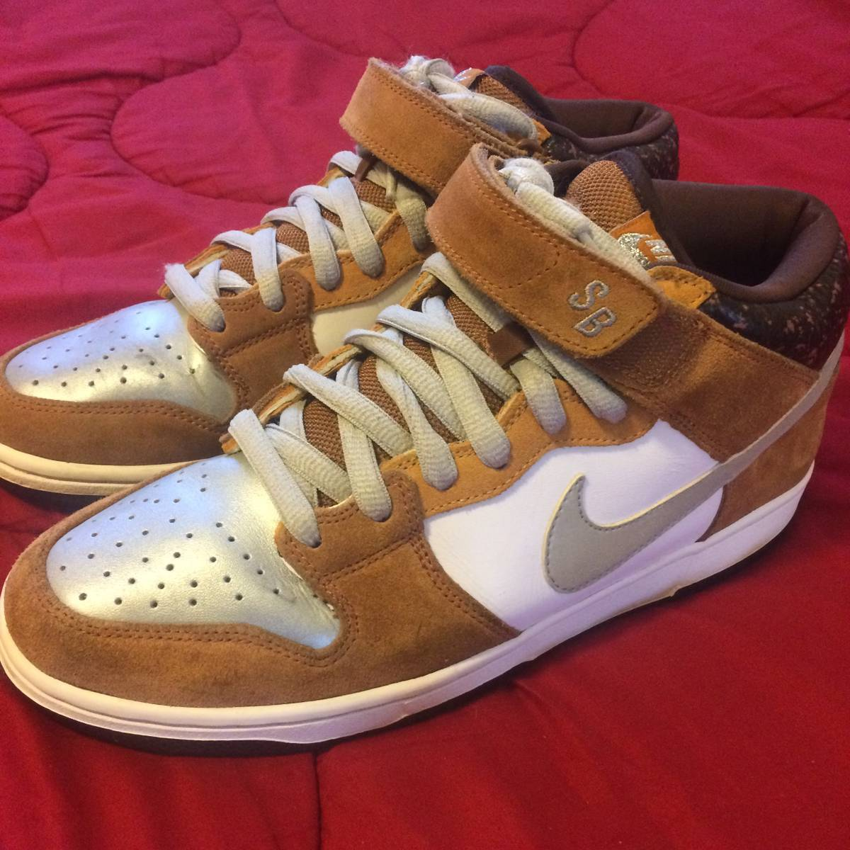 check out f072c afd8c Nike NIKE SB DUNK MID FENDER BASS 3M REFLECTIVE SILVER GUITAR Size 9.5 - Low-Top  Sneakers for Sale - Grailed