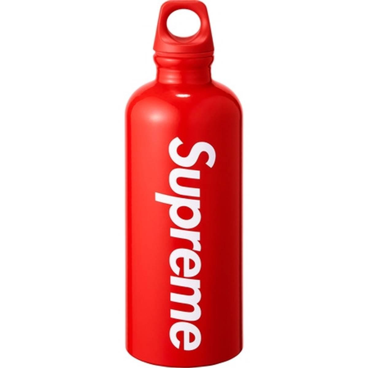 Supreme Supreme®/sigg™ Traveller 0 6l Water Bottle | Grailed
