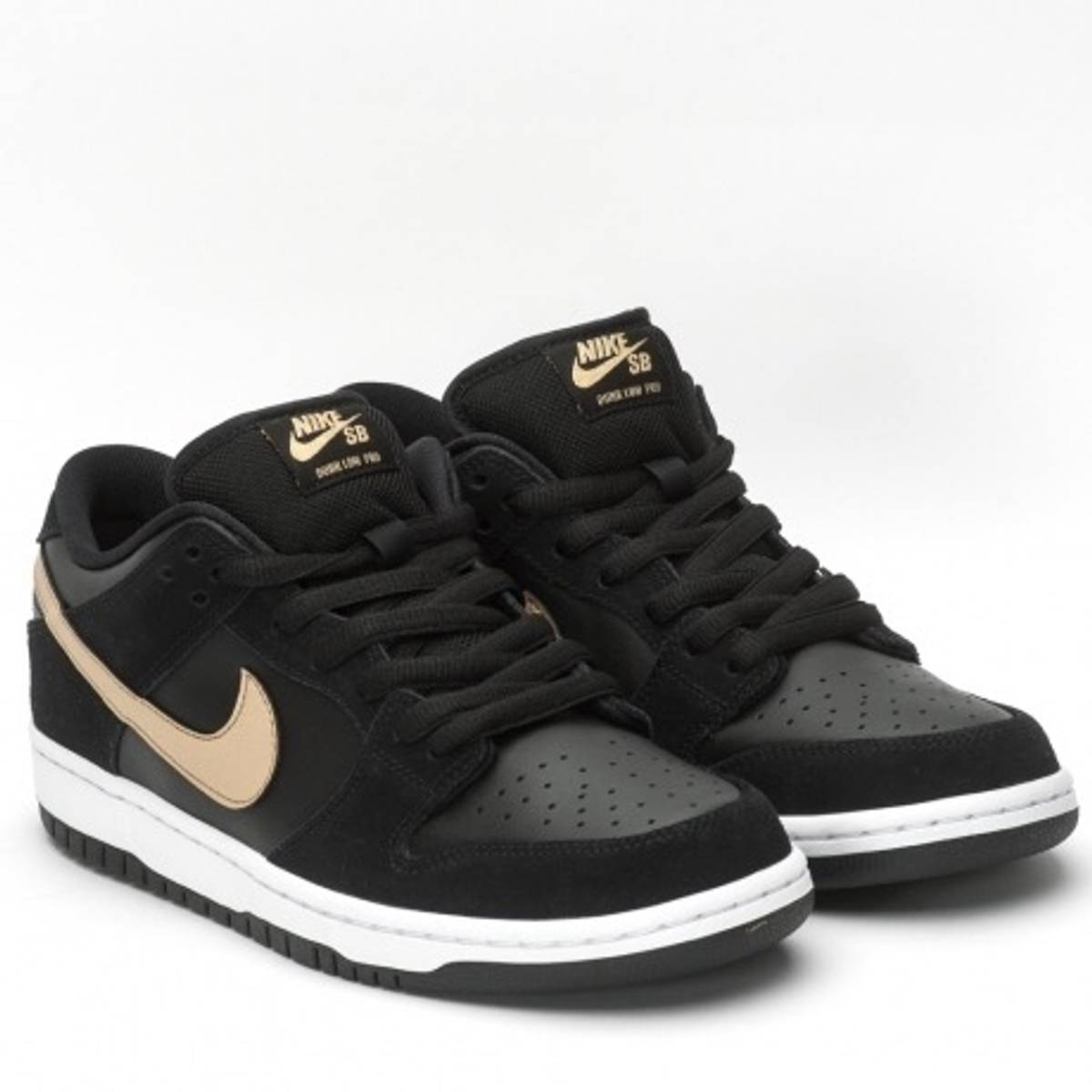 "Nike Nike SB Dunk Low Pro ""Takashi 2019"" Size 11 - Low-Top Sneakers for  Sale - Grailed 148d7a01f"