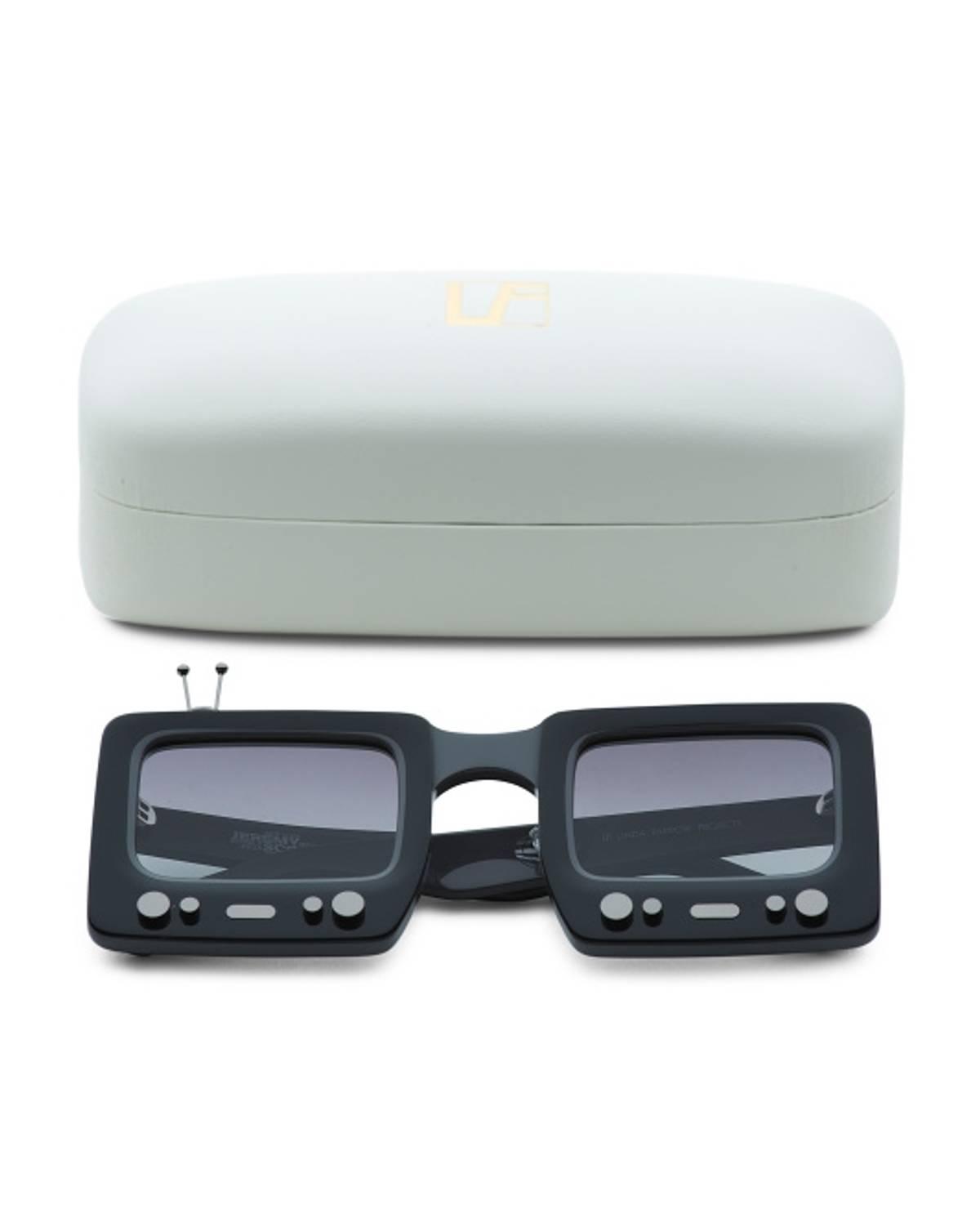 00635f13538 Jeremy Scott (price Firm) Black Tv Specs Jeremy Scott X Linda Farrow  Limited Edition Sunglasses
