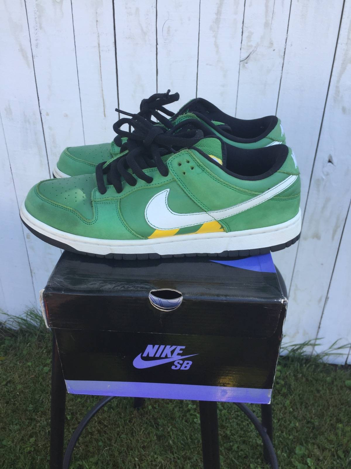 release date: e2568 99781 ... australia nike nike sb dunk low tokyo taxi size 10 low top sneakers for  sale grailed