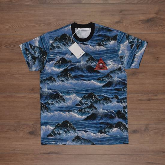 Givenchy Blue Hawaii Print Crew Neck T-Shirt With Red 'Eye of Providence' Embroidery Size US XXS / EU 40