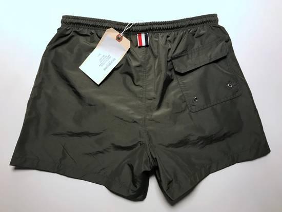 Thom Browne classic swim trunk in medium grey Size US 30 / EU 46 - 2