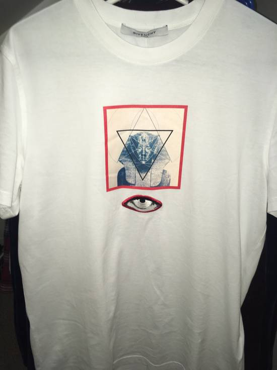 Givenchy Sphinx Graphic & Eye Appliqué T-Shirt Size US L / EU 52-54 / 3 - 8