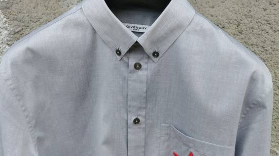 Givenchy $535 Givenchy Star Embroidered Rottweiler Shark Men's Shirt size 40 (M) Size US M / EU 48-50 / 2 - 7
