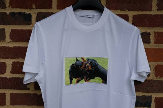 Givenchy White Fighting Rottweilers T-shirt Size US XS / EU 42 / 0 - 1