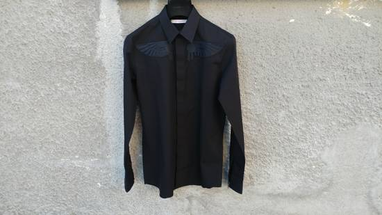Givenchy Givenchy Black Embroidered Wings Rottweiler Star Madonna Shark Shirt size 37 (fitted S) Size US S / EU 44-46 / 1 - 1