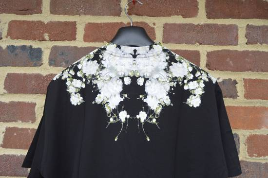 Givenchy Baby's Breath Print T-shirt Size US XS / EU 42 / 0 - 7