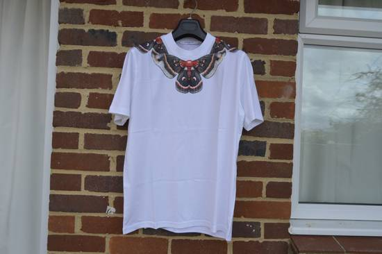 Givenchy Moth Collar Print T-Shirt Size US XS / EU 42 / 0