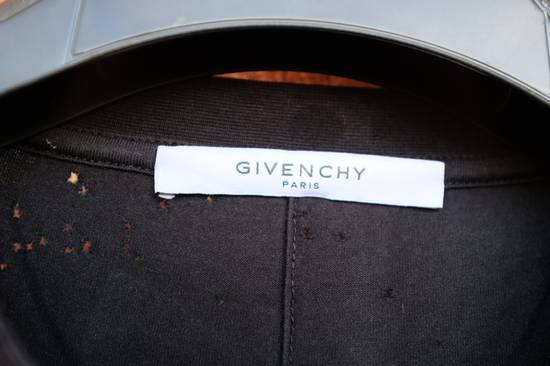 Givenchy Distressed Logo T-shirt Size US L / EU 52-54 / 3 - 4