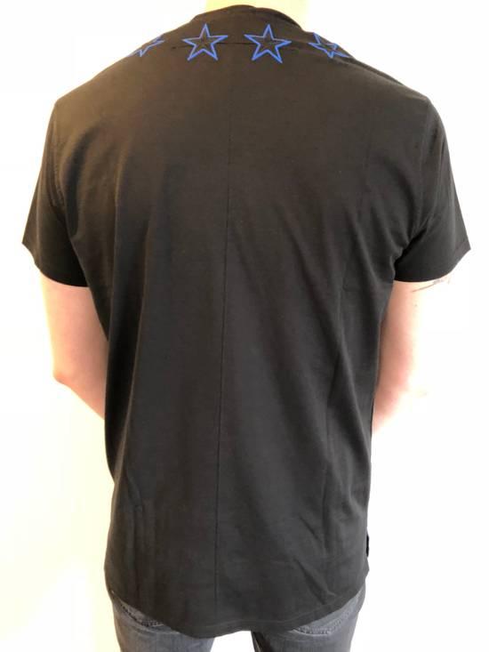 Givenchy New Givenchy, black stars T-Shirt Columbian Fit Size US XS / EU 42 / 0 - 5