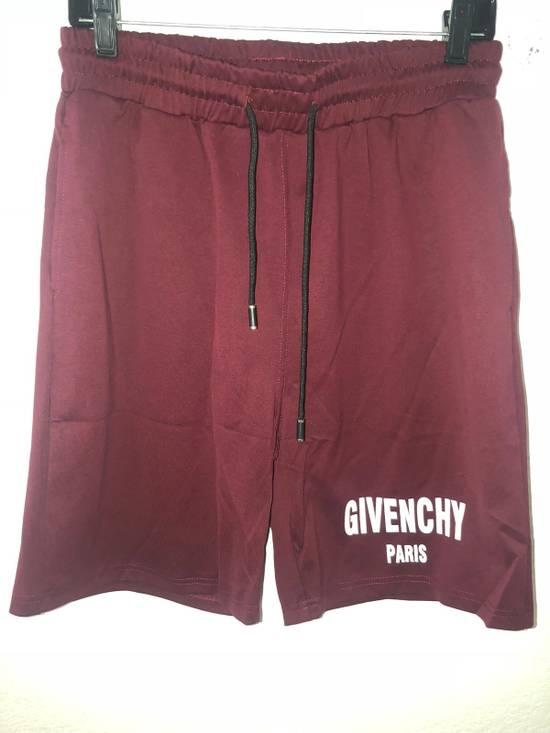 Givenchy Gym Logo Shorts Size US 36 / EU 52
