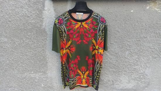 Givenchy $745 Givenchy Birds of Paradise Iris Floral Rottweiler Shark T-shirt size M Size US M / EU 48-50 / 2