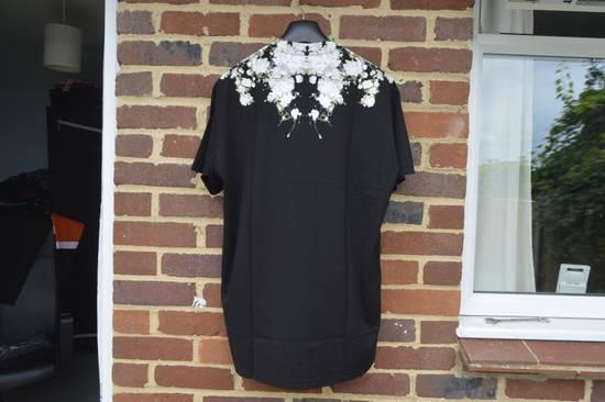 Givenchy Baby's Breath Print T-shirt Size US XS / EU 42 / 0 - 6