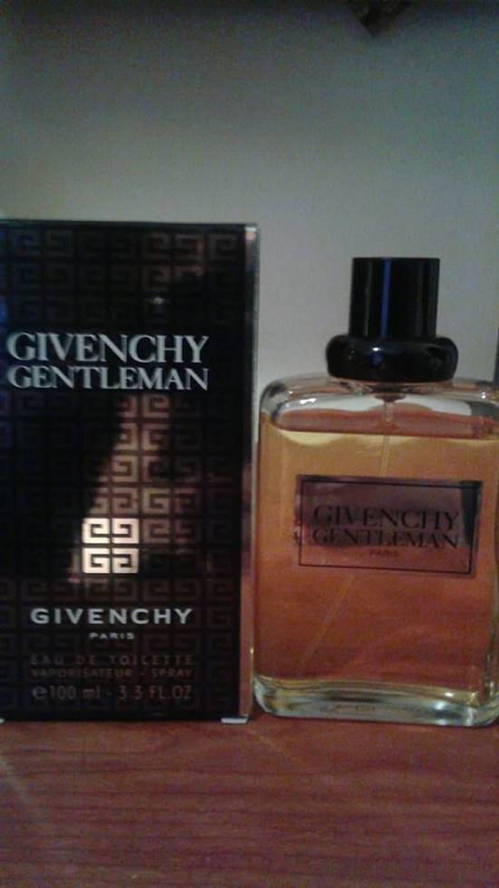 Givenchy Givenchy gentleman (very slightly used) Size ONE SIZE