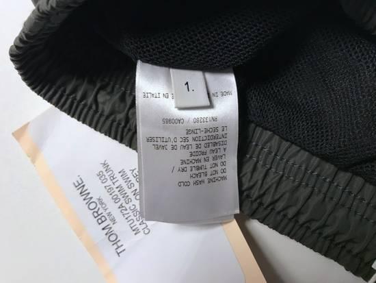 Thom Browne classic swim trunk in medium grey Size US 30 / EU 46 - 6