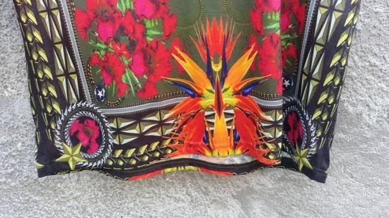 Givenchy $745 Givenchy Birds of Paradise Iris Floral Rottweiler Shark T-shirt size M Size US M / EU 48-50 / 2 - 5