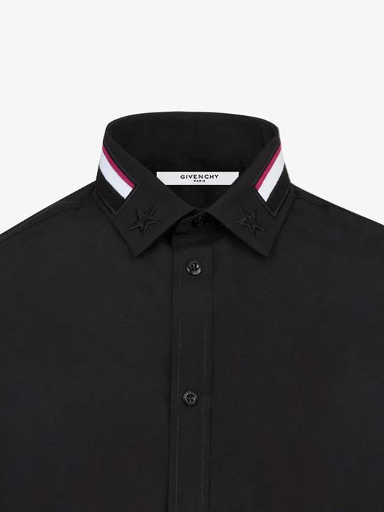 Givenchy Givenchy Givenchy Slim Fit Shirt With Bands and Embroidered Stars On Collar sz 42 Size US L / EU 52-54 / 3 - 5