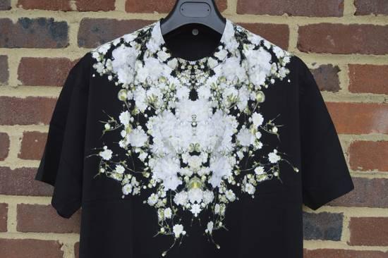 Givenchy Baby's Breath Print T-shirt Size US XS / EU 42 / 0 - 3