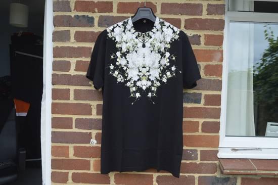 Givenchy Baby's Breath Print T-shirt Size US XS / EU 42 / 0