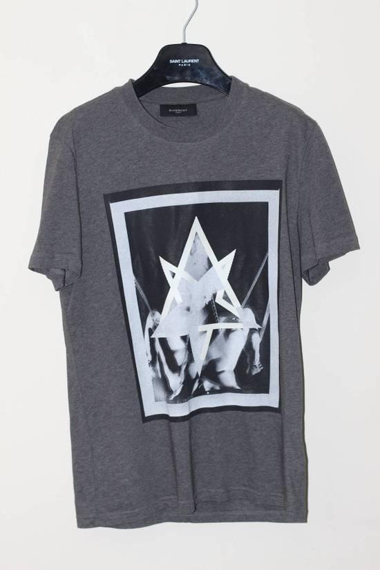 Givenchy Flower Applique Print T-shirt Size US S / EU 44-46 / 1