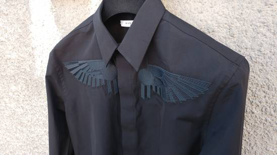 Givenchy Givenchy Black Embroidered Wings Rottweiler Star Madonna Shark Shirt size 37 (fitted S) Size US S / EU 44-46 / 1