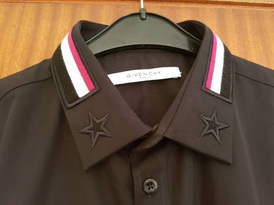 Givenchy Givenchy Givenchy Slim Fit Shirt With Bands and Embroidered Stars On Collar sz 42 Size US L / EU 52-54 / 3