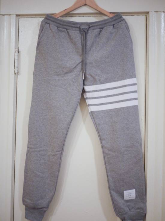 Thom Browne NWoT Thom Browne Gray Sweatpants: Engineered 4-Stripe: Sz3 Size US 33