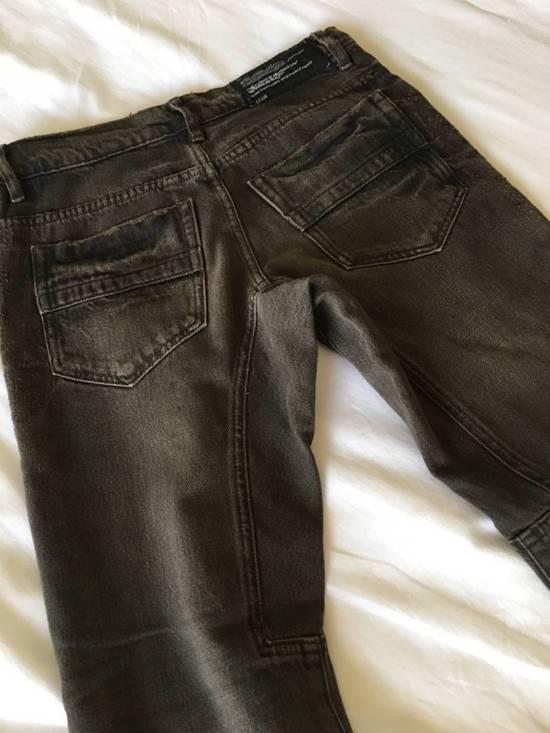 Julius Japan made cropped wrinkle and dirt effect distressed frayed hem Jeans Size US 28 / EU 44 - 13