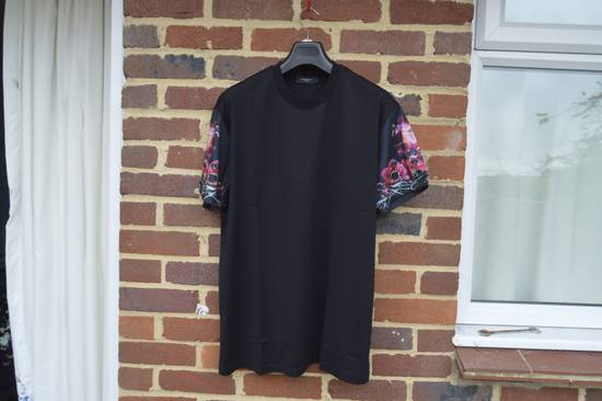 Givenchy Floral Rottweiler Sleeves T-shirt Size US M / EU 48-50 / 2