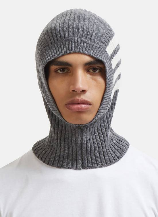 Thom Browne Ribbed Cashmere Balaclava in Grey Size ONE SIZE - 5