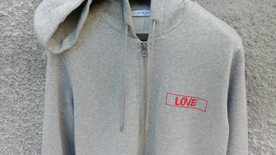 Givenchy $1050 Givenchy Grey Love Embroidered Zip Rottweiler Shark Hoodie size XS (S) Size US S / EU 44-46 / 1 - 7