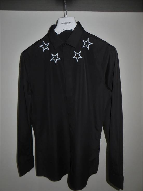 Givenchy Star embroidery shirt Size US M / EU 48-50 / 2