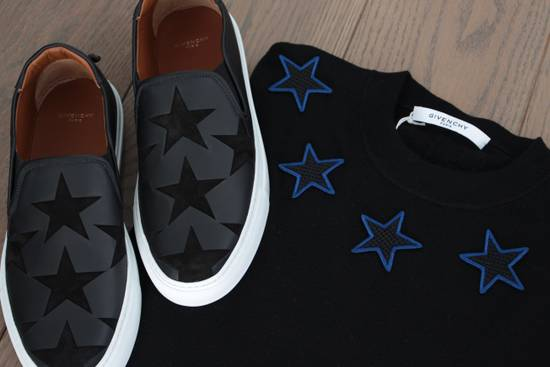 Givenchy Givenchy Star Embroidered Jumper M Size US M / EU 48-50 / 2 - 5