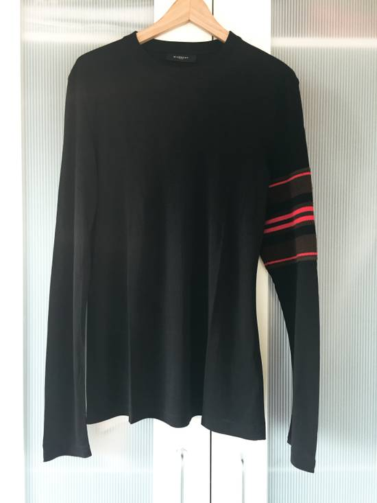 Givenchy Long-sleeve T-Shirt with red accented knitting Size US M / EU 48-50 / 2