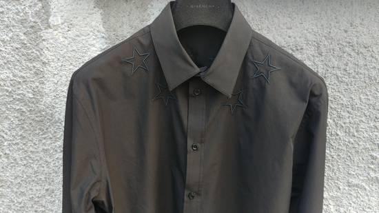 Givenchy $520 Givenchy Black Star Embroidered Rottweiler Shark Men's Shirt size 41 (L) Size US L / EU 52-54 / 3