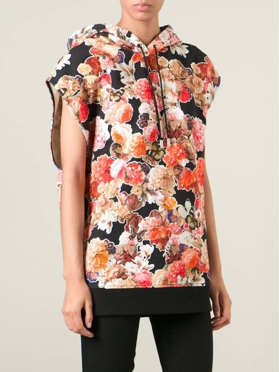 Givenchy $1050 Givenchy Floral and Butterfly Print Rottweiler Oversized Sleeveless Hoodie Top size S (M / L) Size US S / EU 44-46 / 1 - 2