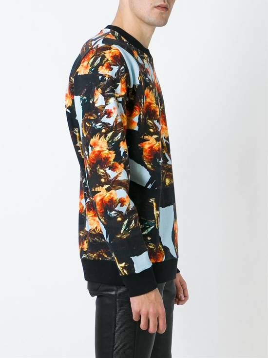 Givenchy $760 Givenchy Monkey Rooster Fight Print Rottweiler Stars Sweater size L Size US L / EU 52-54 / 3 - 3