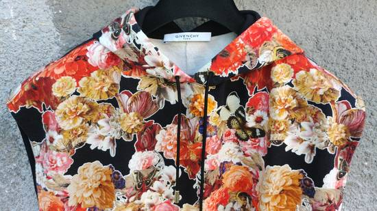 Givenchy $1050 Givenchy Floral and Butterfly Print Rottweiler Oversized Sleeveless Hoodie Top size S (M / L) Size US S / EU 44-46 / 1 - 6