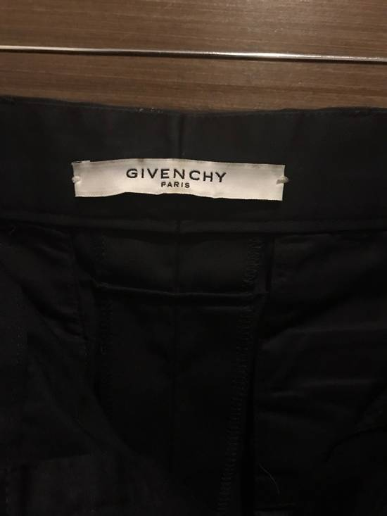 Givenchy Givenchy Military Shorts Size US 34 / EU 50 - 2