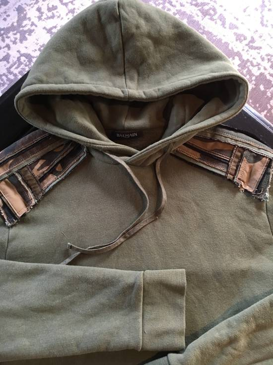 Balmain Balmain Green Hoodie with Army Print Shoulder Patches Size US L / EU 52-54 / 3 - 1