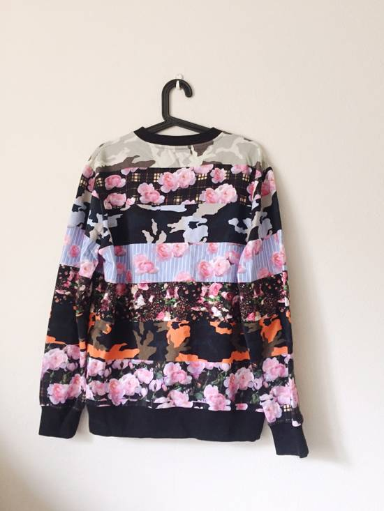 Givenchy Givenchy Multi Coloured Flower Print Jumper Size US M / EU 48-50 / 2 - 1