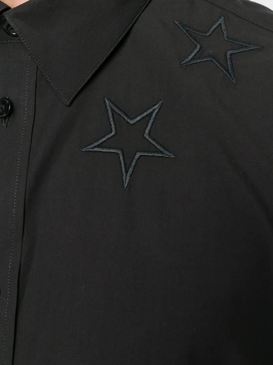 Givenchy $520 Givenchy Black Star Embroidered Rottweiler Shark Men's Shirt size 41 (L) Size US L / EU 52-54 / 3 - 5