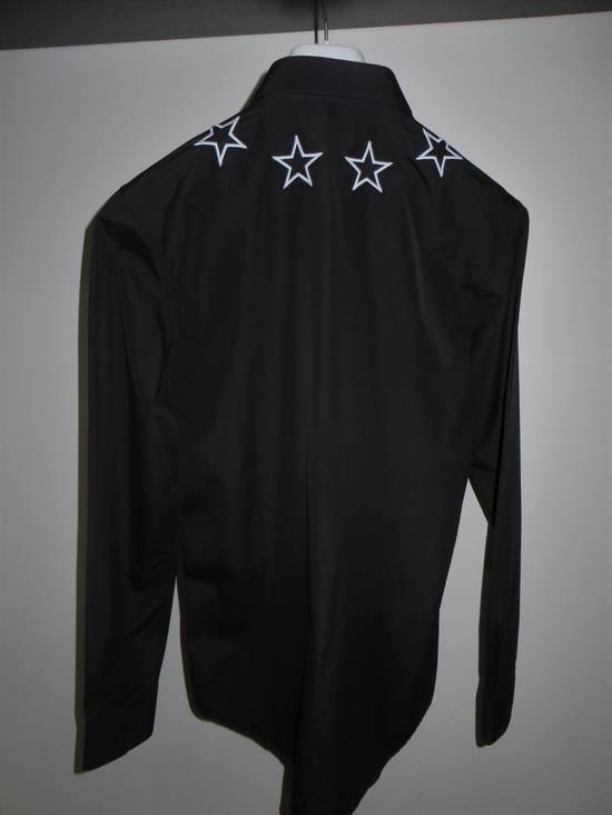 Givenchy Star embroidery shirt Size US M / EU 48-50 / 2 - 1