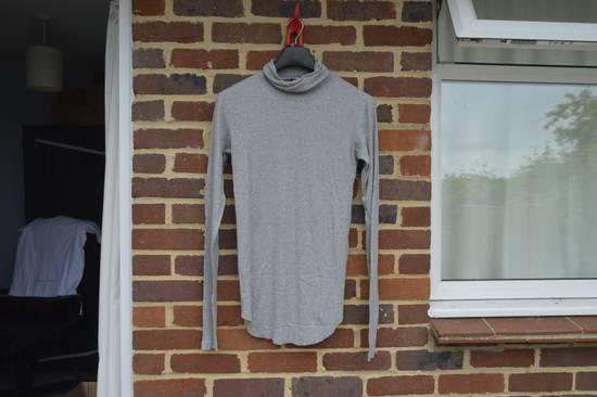 Balmain Light Grey Ribbed Roll Neck T-shirt Size US M / EU 48-50 / 2