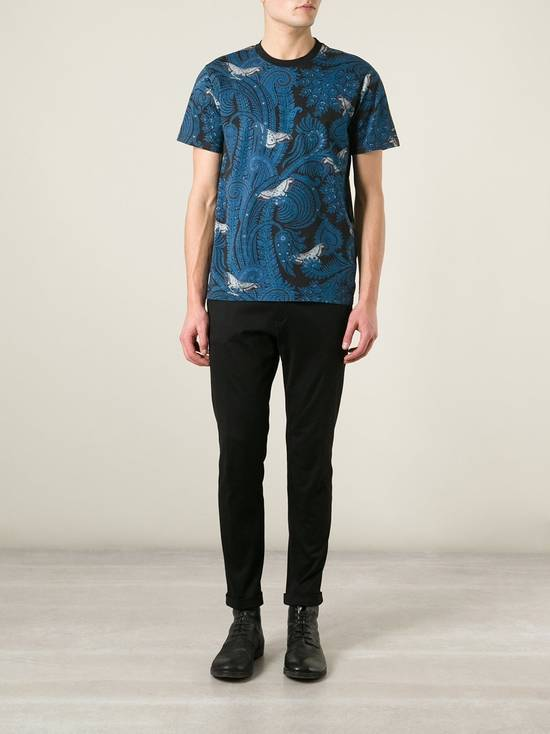 Givenchy Givenchy Blue Paisley & Butterfly Shark Stars Oversized T-shirt size S (L / XL) Size US S / EU 44-46 / 1 - 4