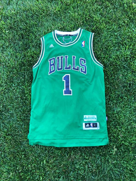 sports shoes 68ded c75c3 Chicago Bulls Derrick Rose St Patrick's Day Jersey