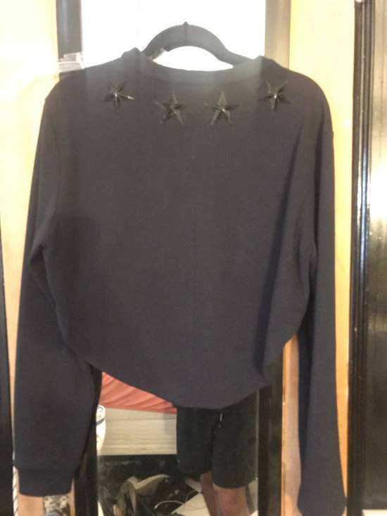 Givenchy Round Hem Cropped Sweatshirt With Antiqued Stars Size US S / EU 44-46 / 1 - 3