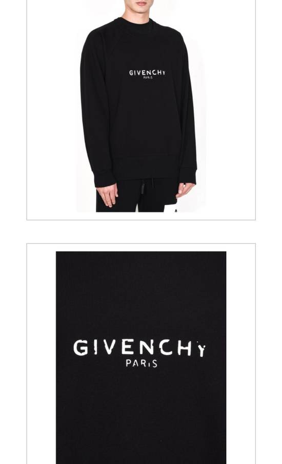 Givenchy Brand New Givenchy New Season With Givenchy Logo Embroidered Sweater Size US L / EU 52-54 / 3 - 6
