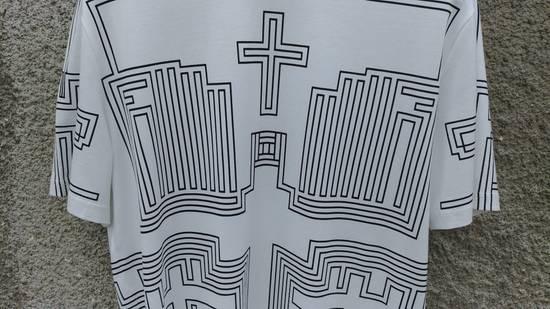 Givenchy $595 Givenchy Geometric Cross Print Rottweiler Shark Oversized T-shirt size XS (M) Size US M / EU 48-50 / 2 - 8